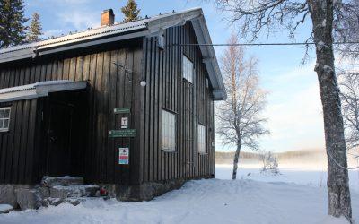 Vokter hyttene i marka
